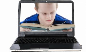 """Cu sau fara """"ecrane"""" in viata copiilor nostri?"""
